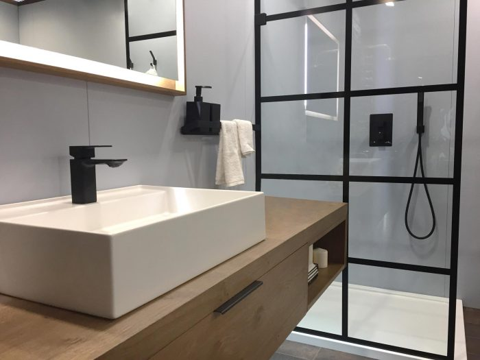 Bathroom Trends 2019 - Matte Black