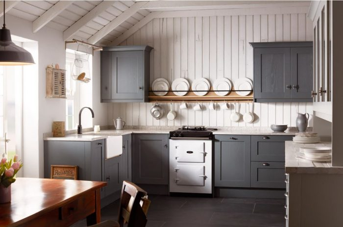 Kitchen Trends 2019 - Organised Ornaments